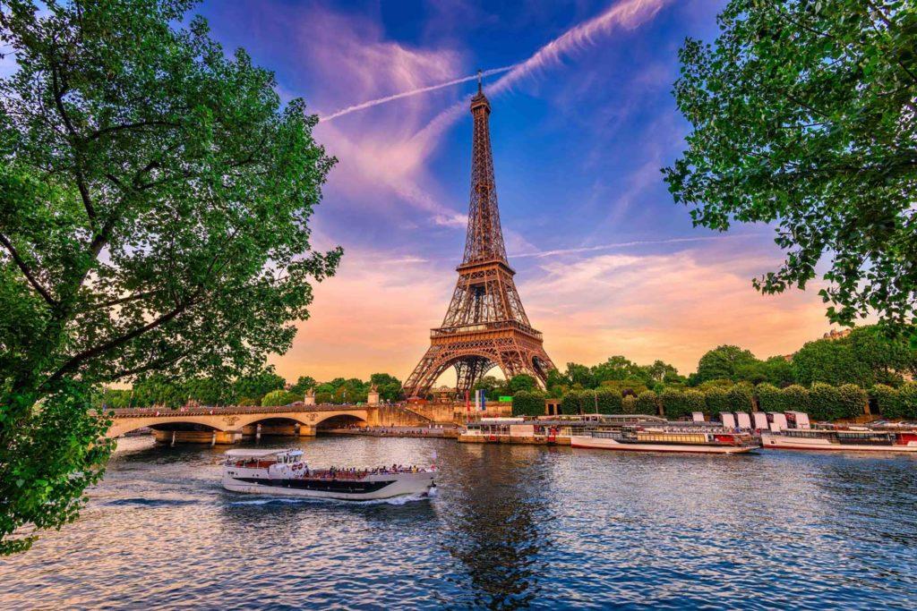 Autocar - Paris Prestige : de la Seine au Lido